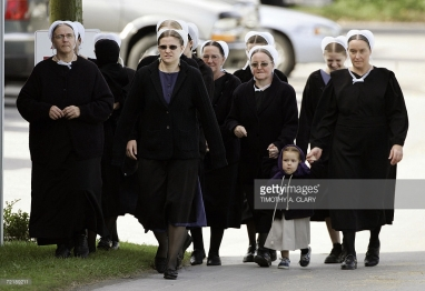 amish.funeral.attenders